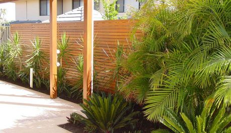 How to transform your backyard with DIY Landscape Screens!