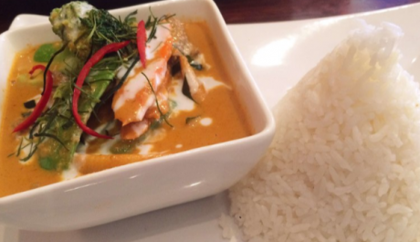 Entertain Guests Outdoors with a Delicious Autumn Curry